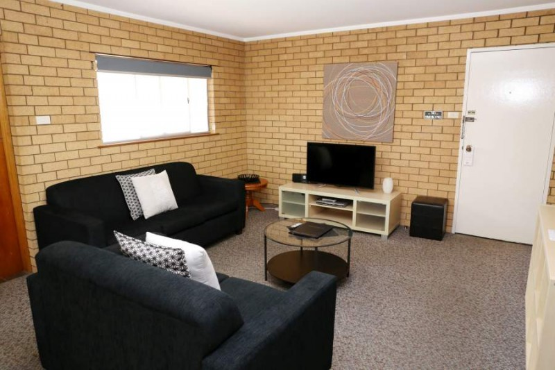 2 Bedroom Apartment, King